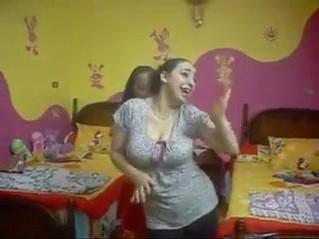 arab  dancing  fun