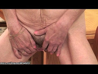 fingering  fuck  gilf