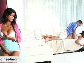 babe  sharing  stepmom