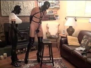 bizarre  slave  strapon
