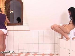hungry  peeing  weird