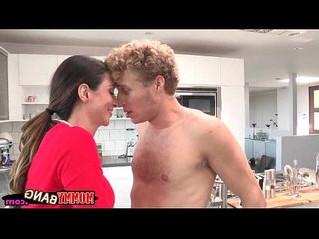 cock  sharing  stepmom